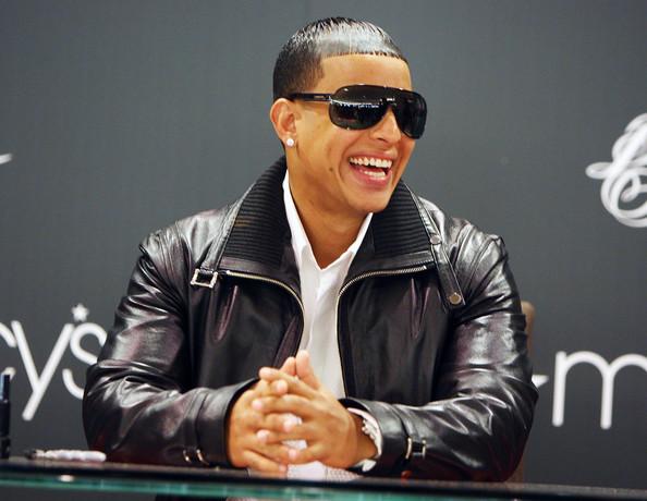 Daddy Yankee pospone concierto en Santiago para Mayo