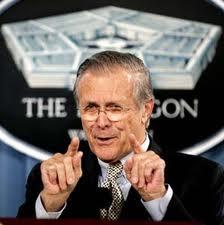 Rumsfeld, ex jefe del Pentágono, alardea de sus decisiones en sus memorias