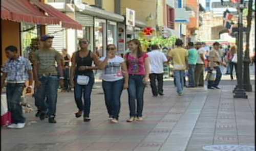 Dominicanos consideran democracia peligra con repostulación de Presidente Fernández