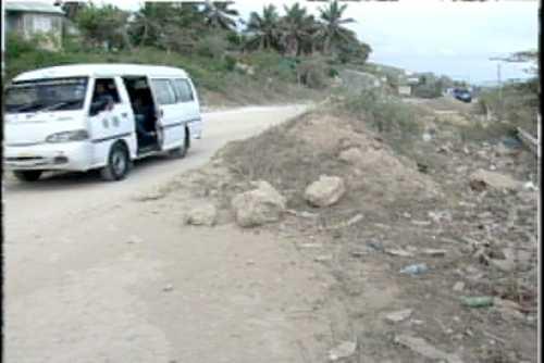 Comunidad de Enriquillo anuncia protestas en demanda de reconstrucción de obras paralizadas