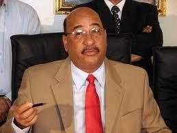 Ministro de Salud califica de exageradas las amenazas de clínicas privadas