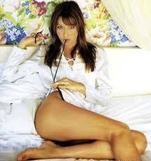 Carla Bruni dará a luz en octubre, según una revista francesa