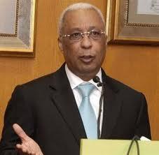 Ministro de Hacienda se reúne con diputados para tratar ley de emisión de bonos