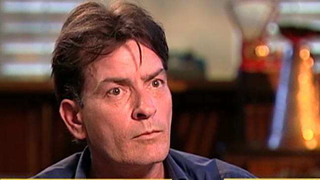 Ashton Kutcher se postula para sustituir a Sheen en