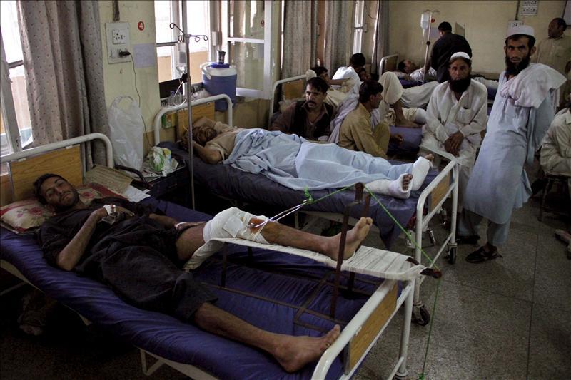 Dos muertos en un asalto de insurgentes a una base aérea militar paquistaní