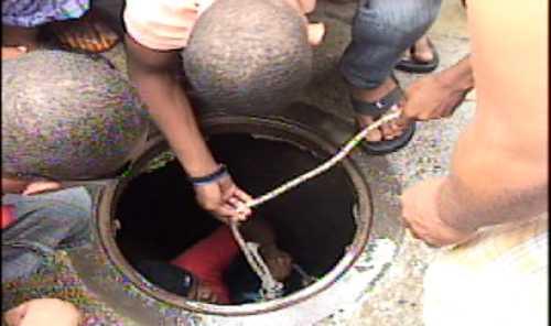 Niña es arrastrada por cañada en Guachupita