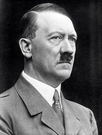 Adolf Hitler es ciudadano de honor de Amstetten, la localidad de Josef Fritzl