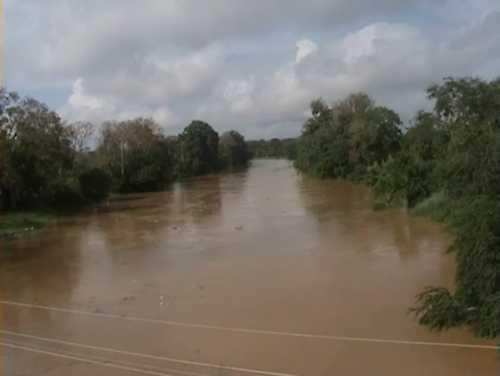 Residentes en Bajo Yuna atemorizados ante posible inundación
