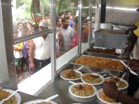 Comedores Económicos listos para asistir comunidades inundadas