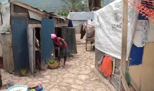 "En Haití esperan nerviosos el paso de ""Emily"""