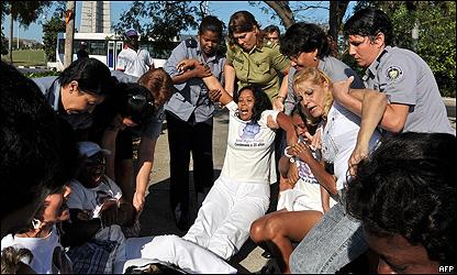 Damas de Blanco piden intervención de Iglesia ante Gobierno por hostigamiento