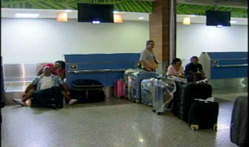 Cancelan 27 vuelos en aeropuertos dominicanos por huracán