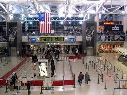 Los aeropuertos de Nueva York dejarán de recibir vuelos debido al huracán