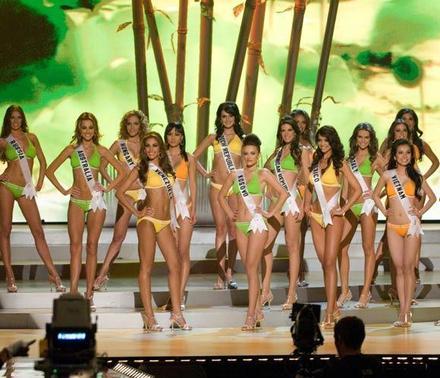 Candidatas a Miss Universo se contagian de samba y alegría de carnaval Brasil