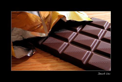 Buscan voluntarias para comer chocolate negro y demostrar que protege del sol