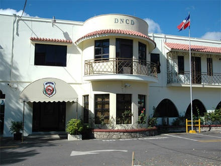 DNCD apresa a varias personas en sectores San Cristóbal