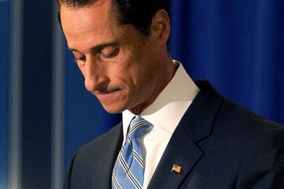 Demócratas piden voto latino para mantener asiento de Weiner en Congreso EE.UU.