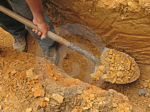 Hombre muere asfixiado mientras buscaba oro dentro de un túnel