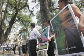 Crecen las protestas en Bolivia contra la disolución de la marcha indígena