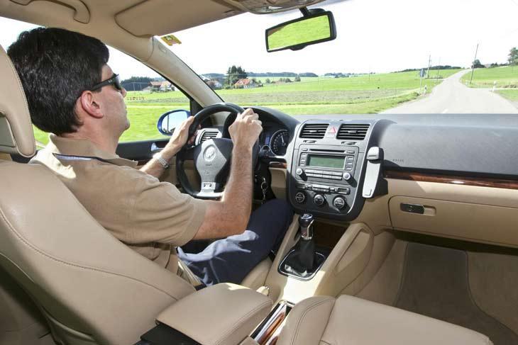Proyecto para que los automóviles se anticipen a las maniobras del conductor