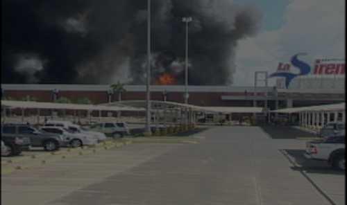 PN acordona La Sirena de la Charles de Gaulle para evitar saqueos tras incendio
