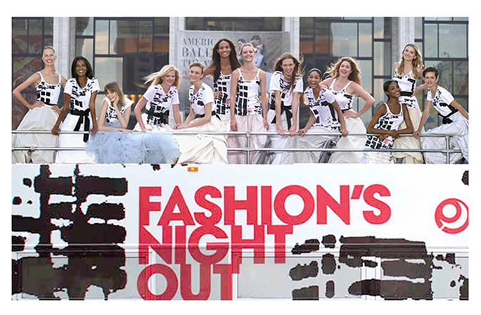 Nueva York celebra el gusto para las compras en Fashion's Night Out