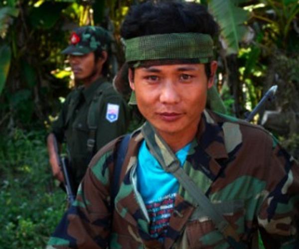 Birmania aprueba crear una comisión para hablar de paz con las guerrillas