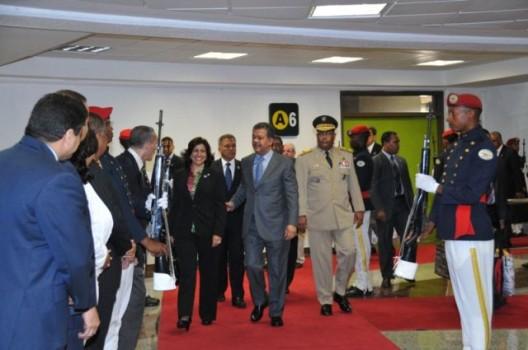 Presidente Fernández regresa al país tras intervención en la ONU