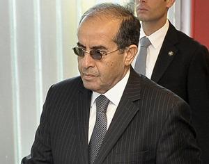 Jibril dice que CNT aún no ha decidido quién juzgará a Gadafi si es detenido