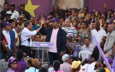 Danilo Medina: HM se burla de los pobres, haciendo promesas que jamás podría cumplir; Mondesí se suma a Medina