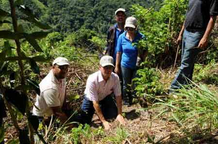 Procuraduría de Medio Ambiente en jornada de reforestación en río Haina