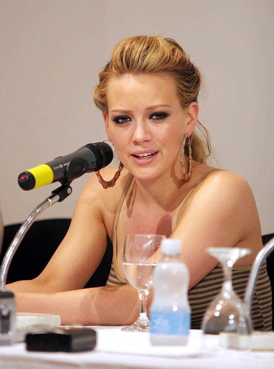 Hilary Duff descarta abandonar su carrera artística para seguir escribiendo