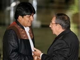 Morales se reunirá con Raúl Castro y recibirá título