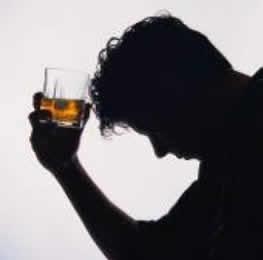 Más de 140 muertos por consumo de alcohol adulterado en la India