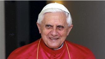 El papa insta a un nuevo humanismo capaz de generar cultura y compromiso