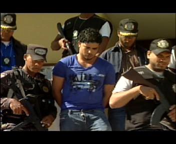 Agentes de la PN custodian casa del supuesto capo boricua Miguel Rivera (video)
