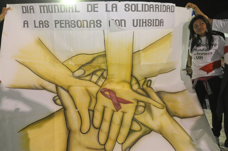 Carlos Slim aportará 8 millones de dólares campaña mundial contra el VIH/Sida