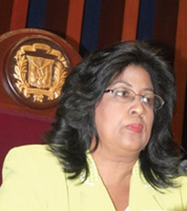 Presidenta del Sanado dice le corresponde al Ejecutivo aprobar u observar nuevo Código Penal