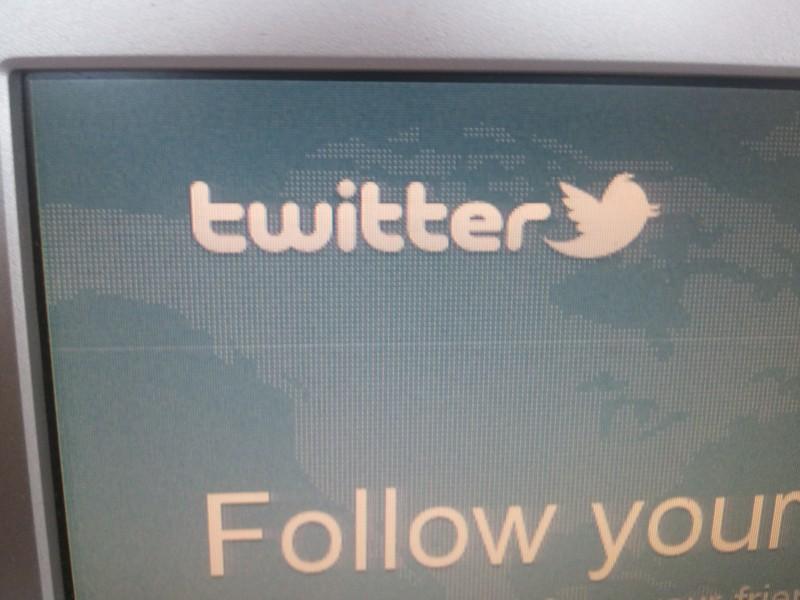 Empresa demanda a exempleado por propiedad de cuenta en Twitter