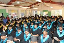 Escuelas vocacionales gradúan 147 reclusos de la Penitenciaría La Victoria