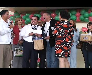 Premian pasajero aéreo del año y dominicano ausente en Santiago (video)