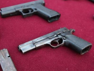 El MIP  incauta cinco armas de fuego y notifica seis negocios