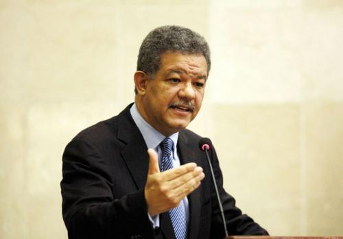 LF favorecería declarar dominicanos a todos los que tienen actas