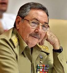 Raúl Castro anuncia 2,900 indultos y rebaja expectativa de reforma migratoria