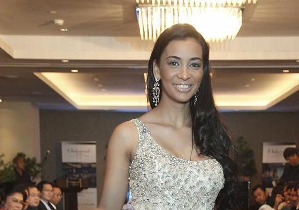 La dominicana Sarah Feliz, una locutora deportiva aspirante a Miss Tierra