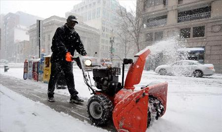 Tormentas invernales se extienden por el Oeste y Medio Oeste de EE.UU.