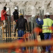 Aumentan salario mínimo a trabajadores de la construcción