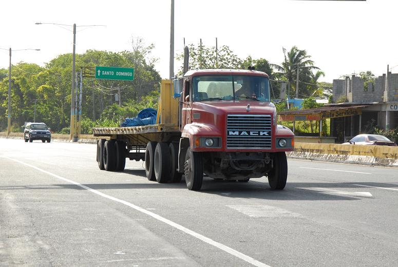 AMET retiene 44 vehículos pesados