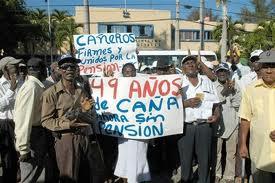 Cañeros continúan protesta en demanda a la aprobación de pensiones