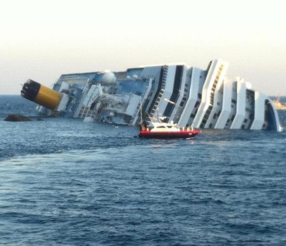 Costa Cruceros calcula en 93 millones de dólares los daños por el naufragio